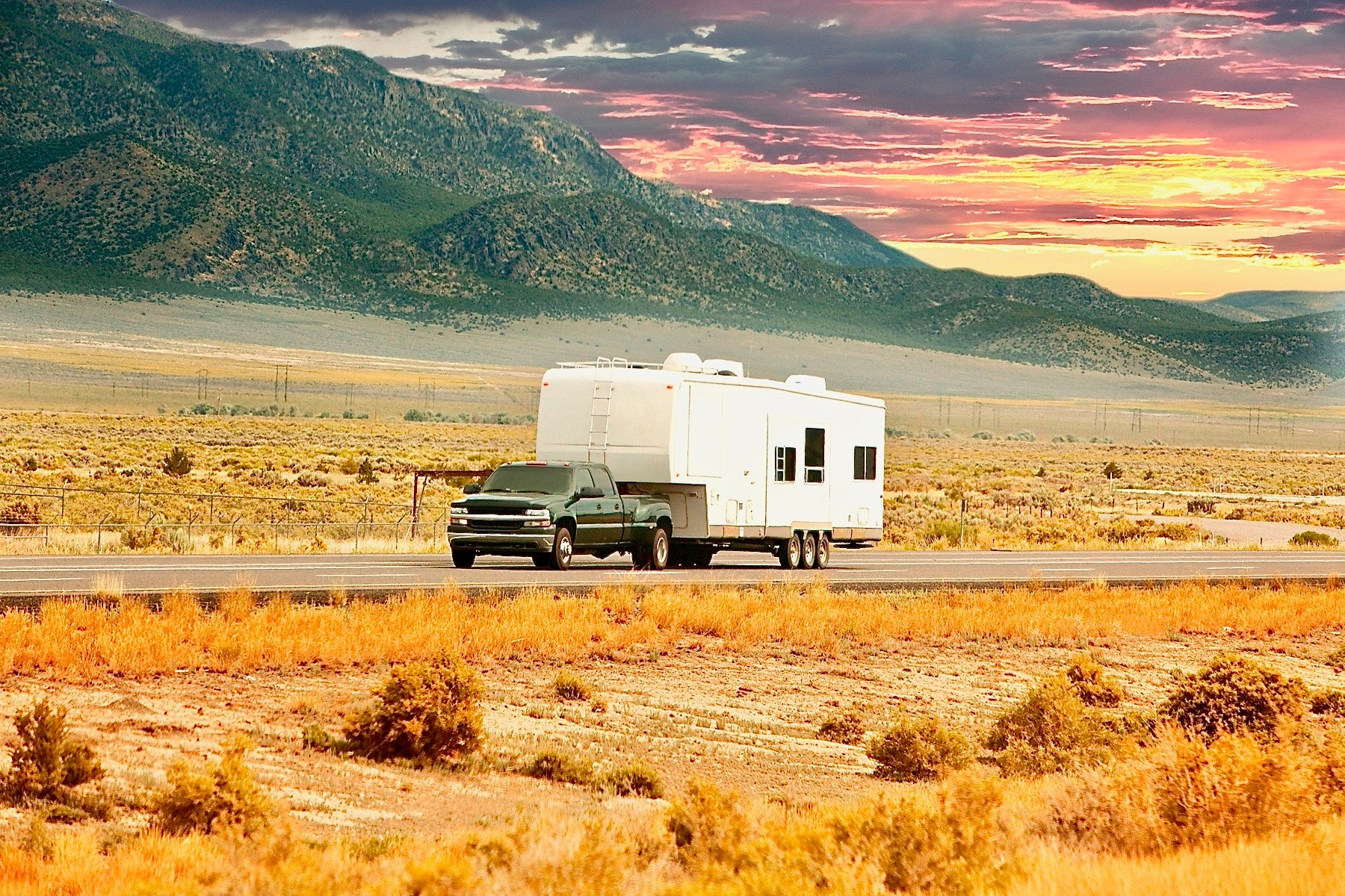 5 Reasons to Avoid 5th Wheel RV Trailers