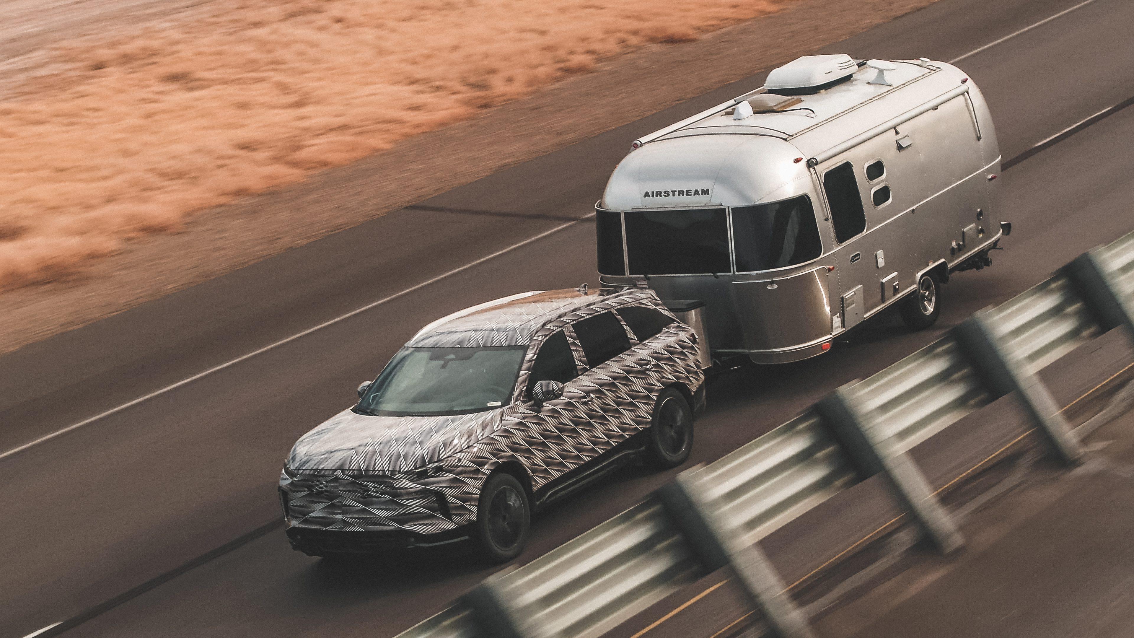 Can the Infiniti QX60 Tow a Camper Trailer?