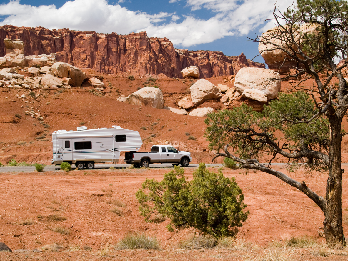 RV YouTubers Make $10k Towing Mistake at Campsite