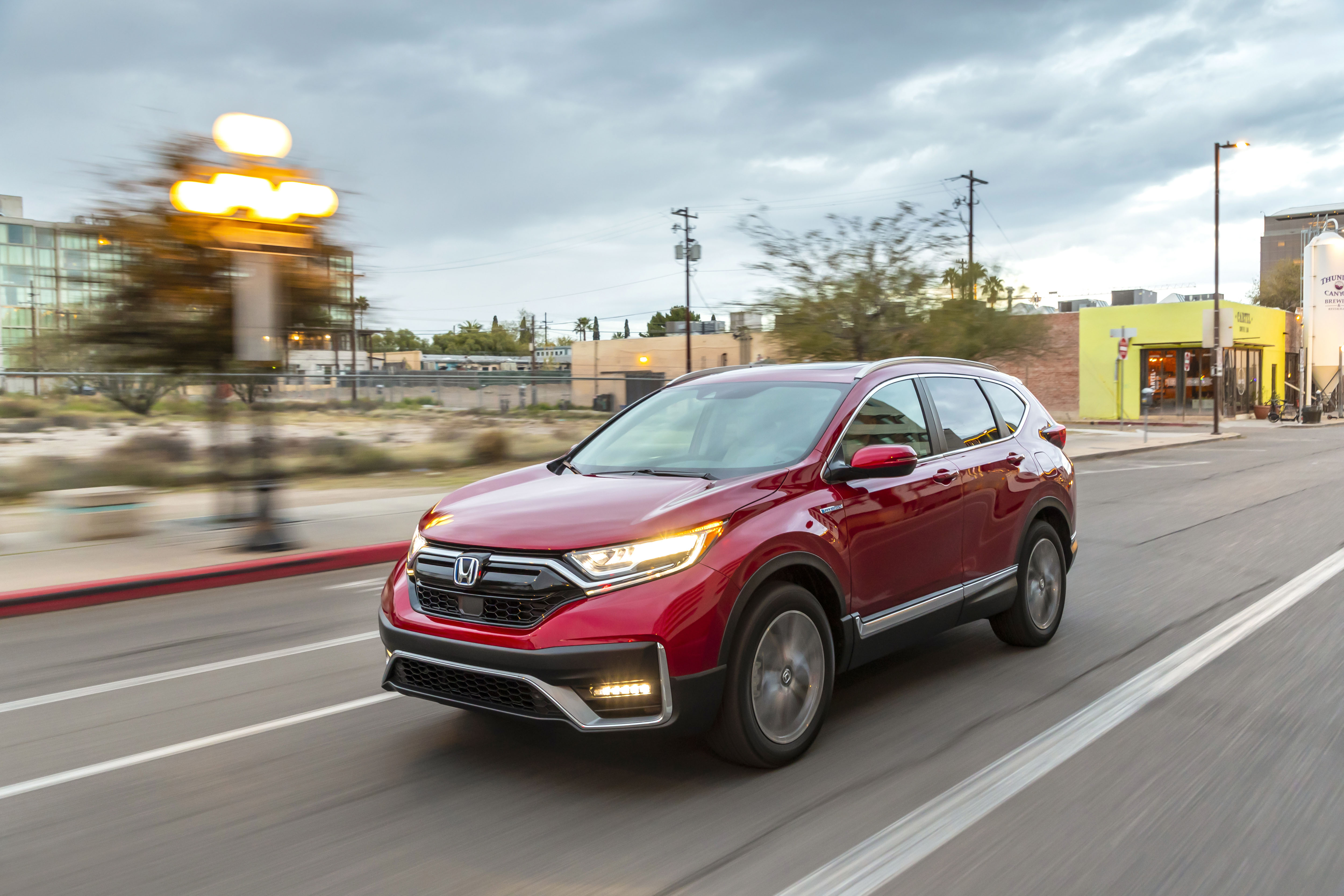 5 Best Hybrid SUVs for Camping Trips