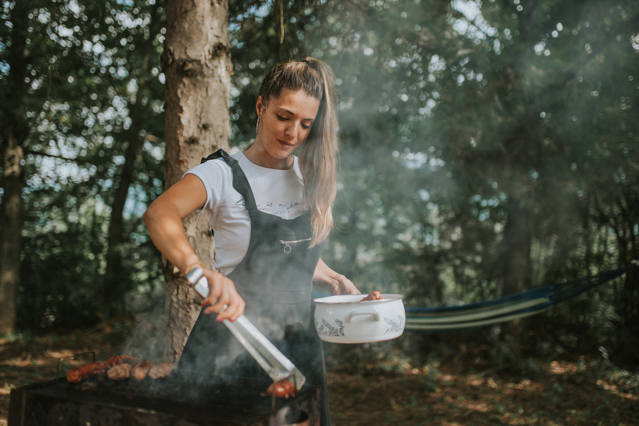 Should Campers Use Lump Charcoal or Briquettes When Grilling