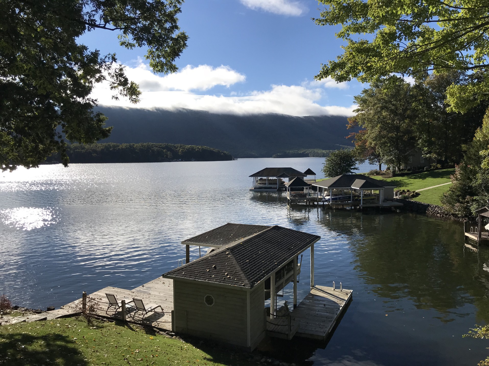 7 Best Lakes in Virginia (And Nearby Campsites)