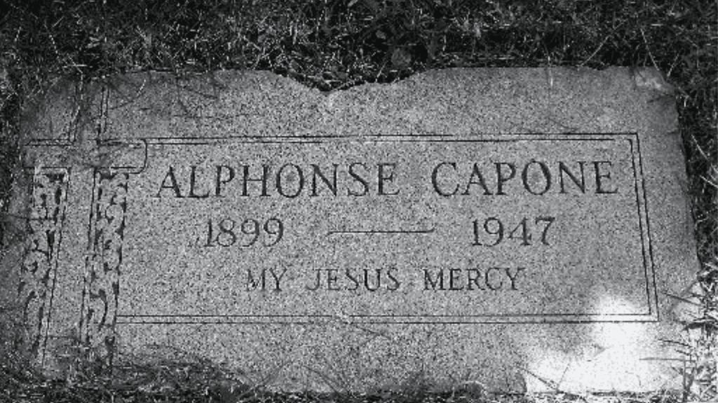 Al Capone grave marker