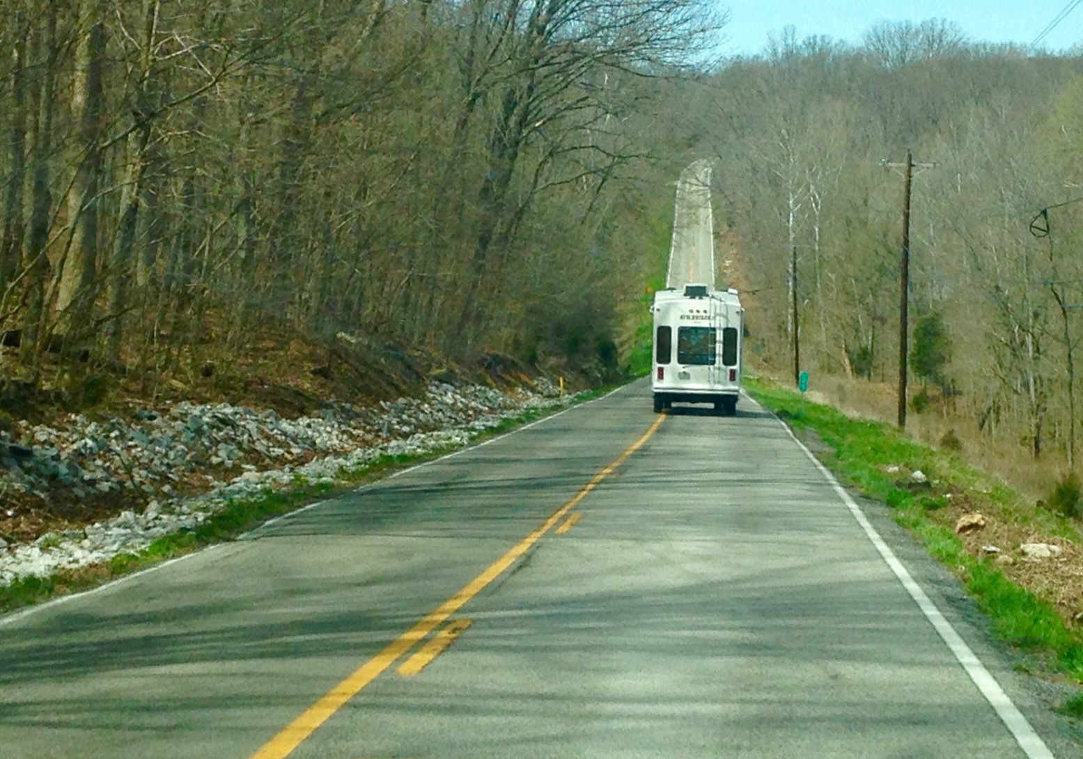 Is It OK To Tow A Camper Without Trailer Brakes?